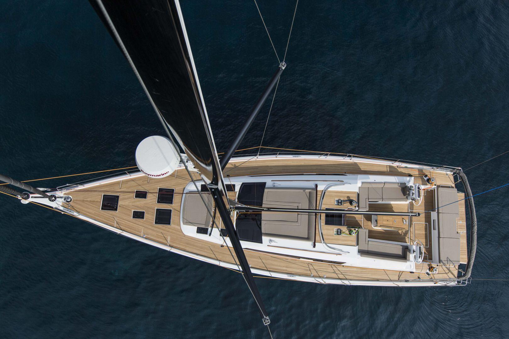 Invictus yacht 17m dufour