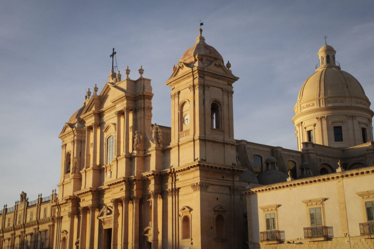 ssailing sicily duomo of Noto