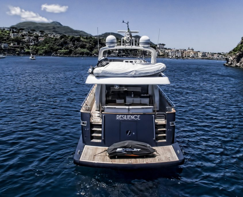 Resilience motor yacht for charter