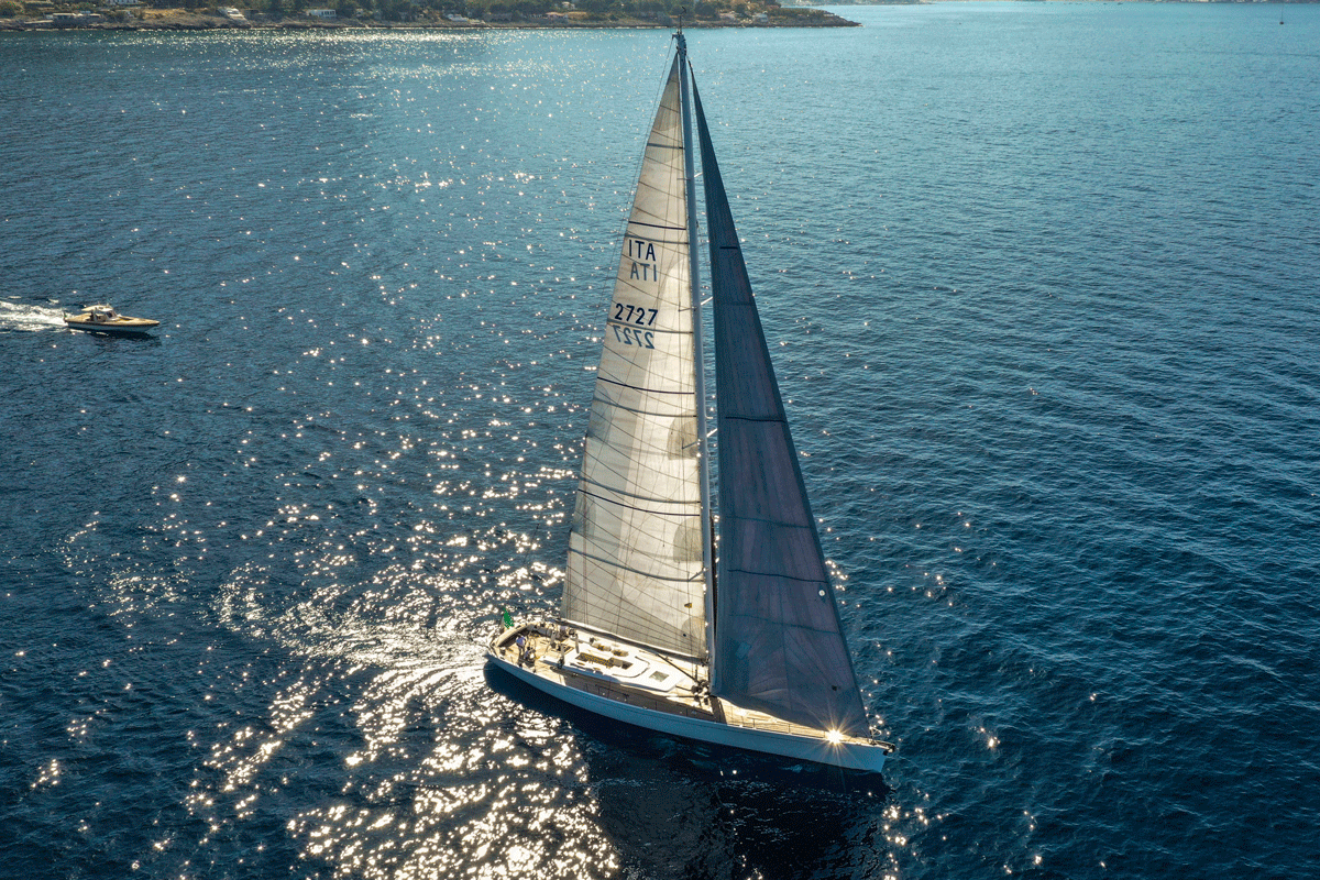 logica yacht equinoxe