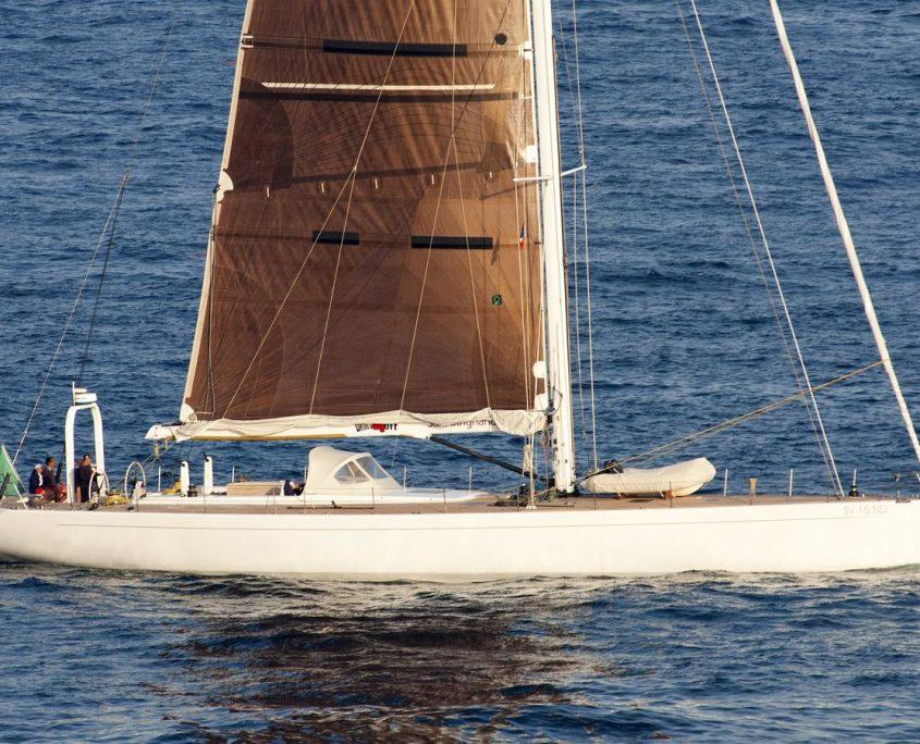 Logica yacht charter