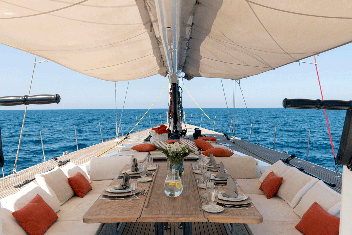 logica yacht table cockpit