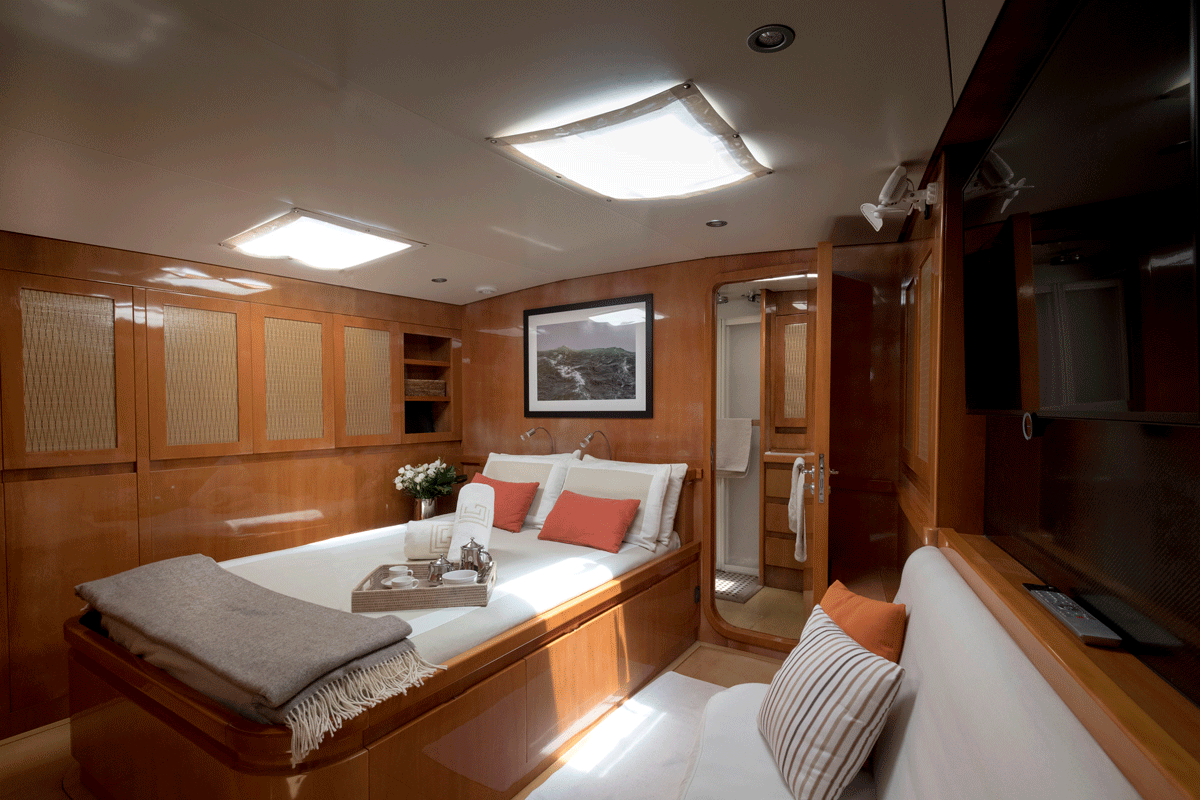 logica yacht owner cabin