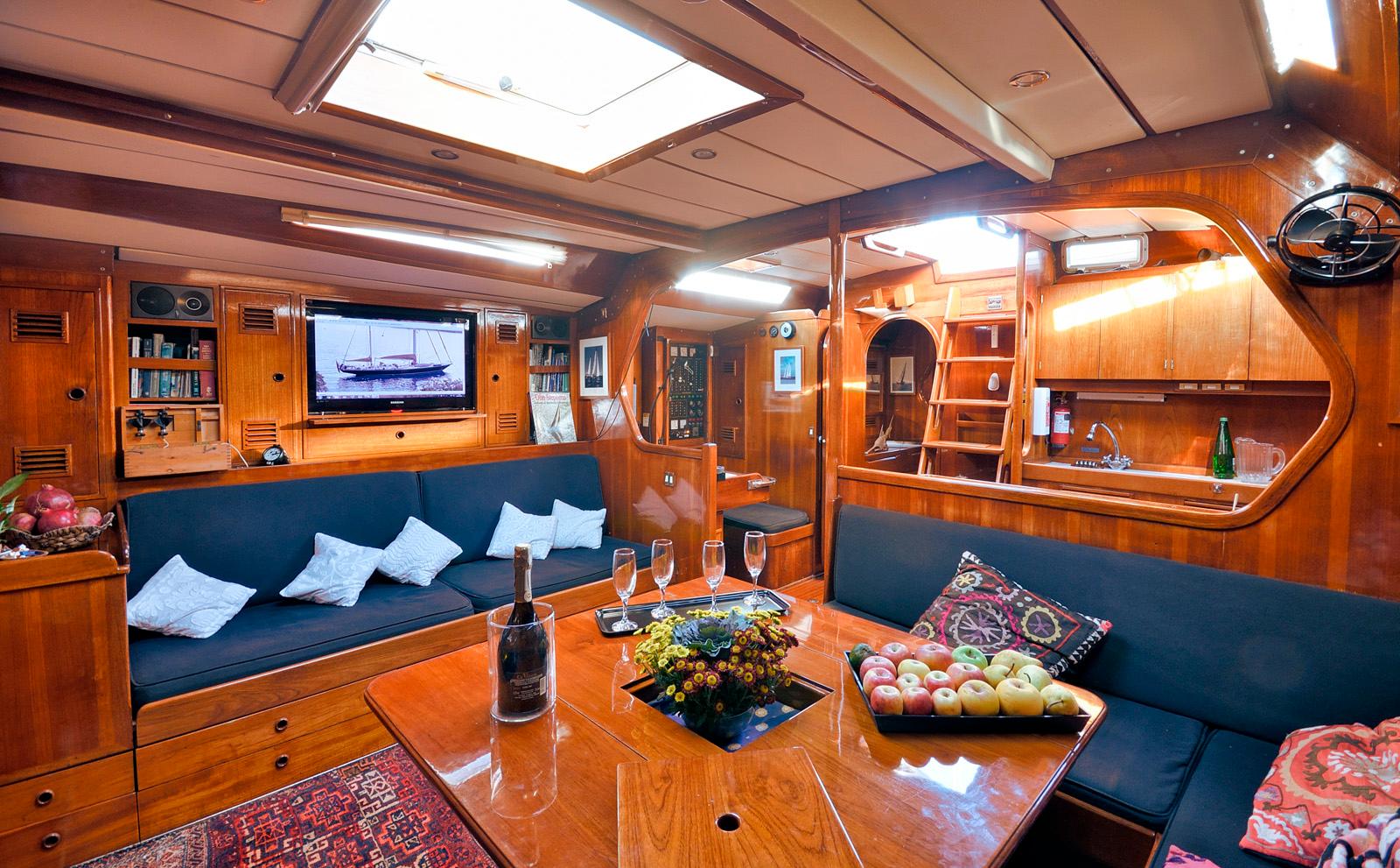 tangaroa yacht interiors