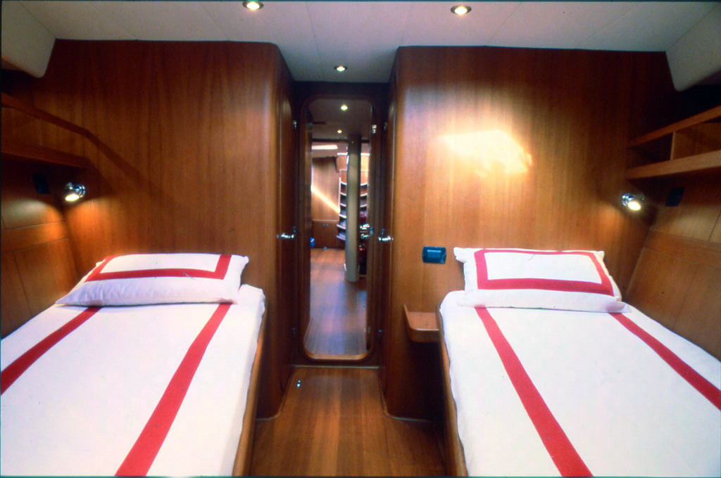 class iv yacht double cabin