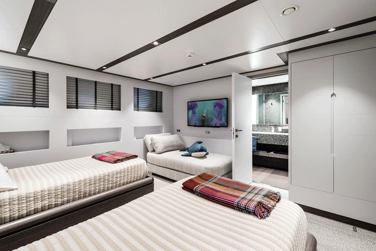 genesia yacht double cabin