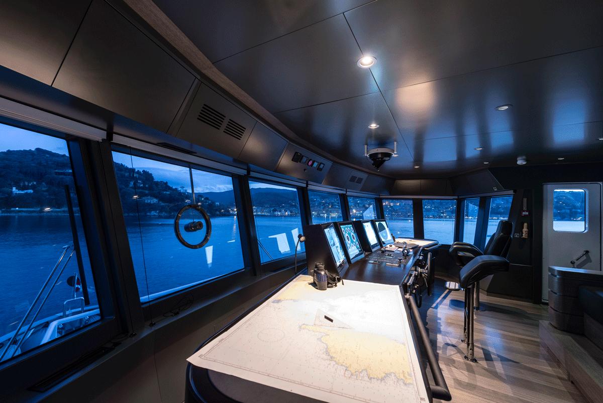 genesia yacht steering