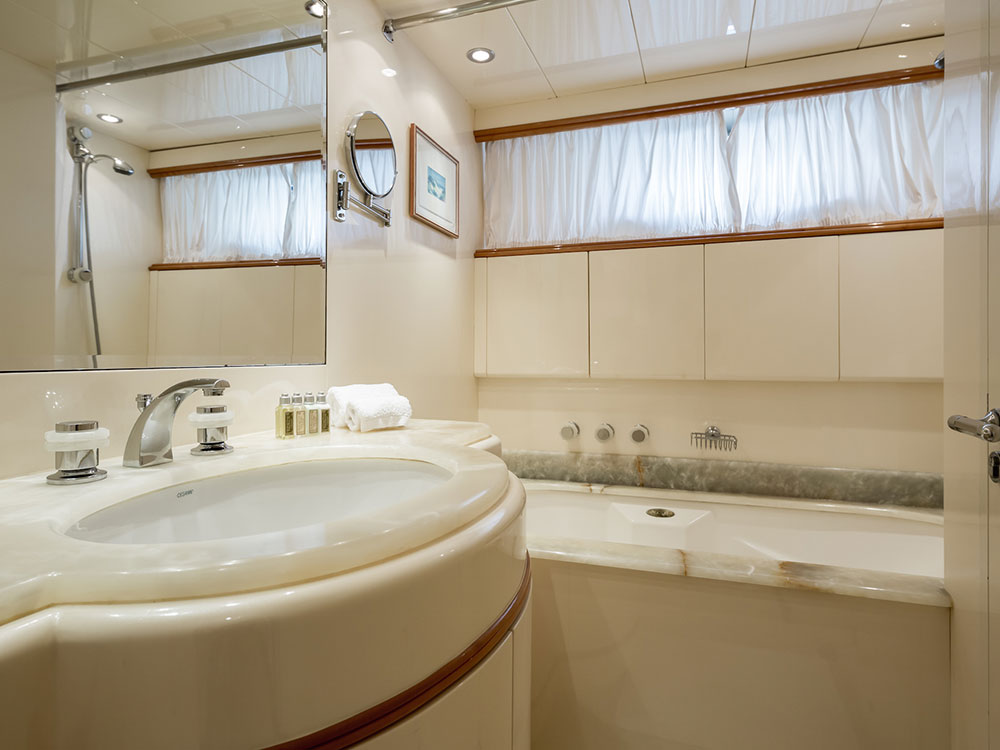 indulgence of poole ensuite cabin