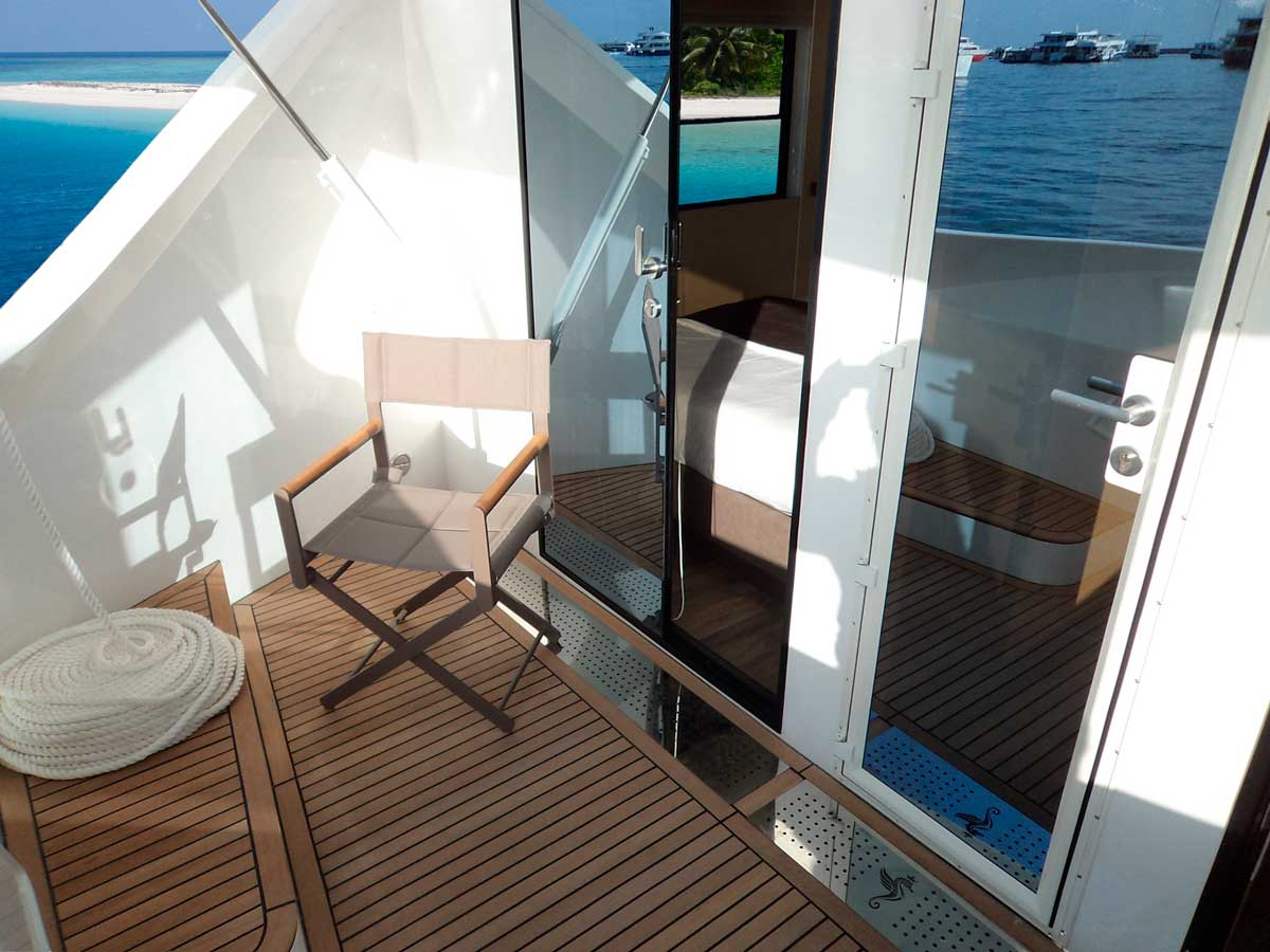 over reef front deck