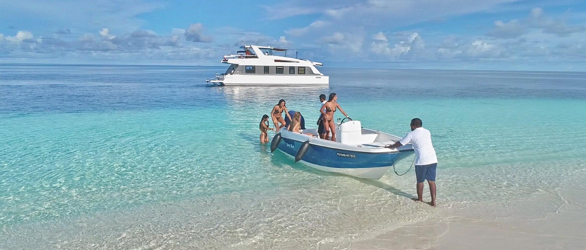 over reef catamaran