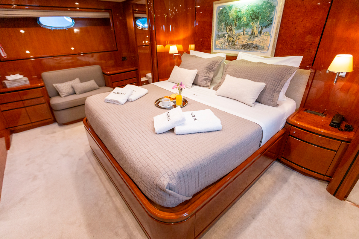 pareaki yacht master suite