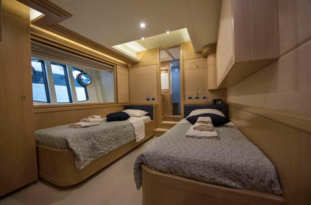 dana double cabin