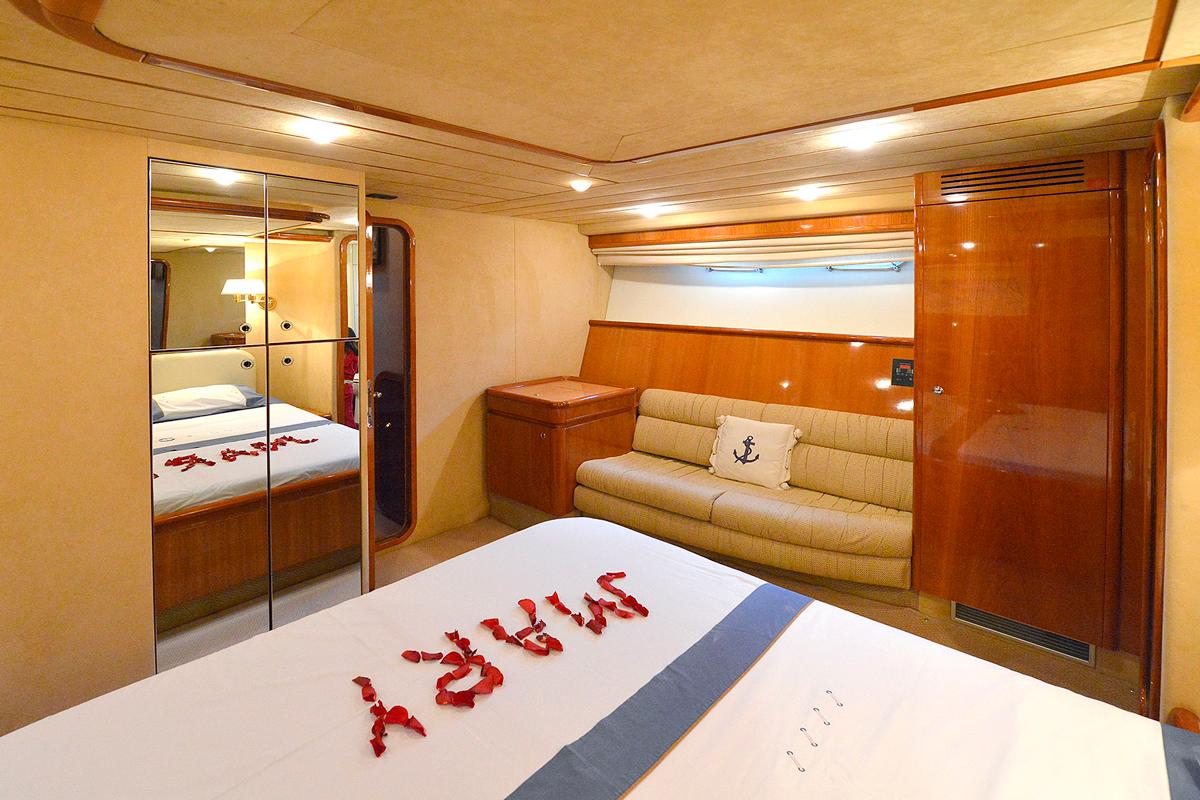 mary ferretti 68 master cabin