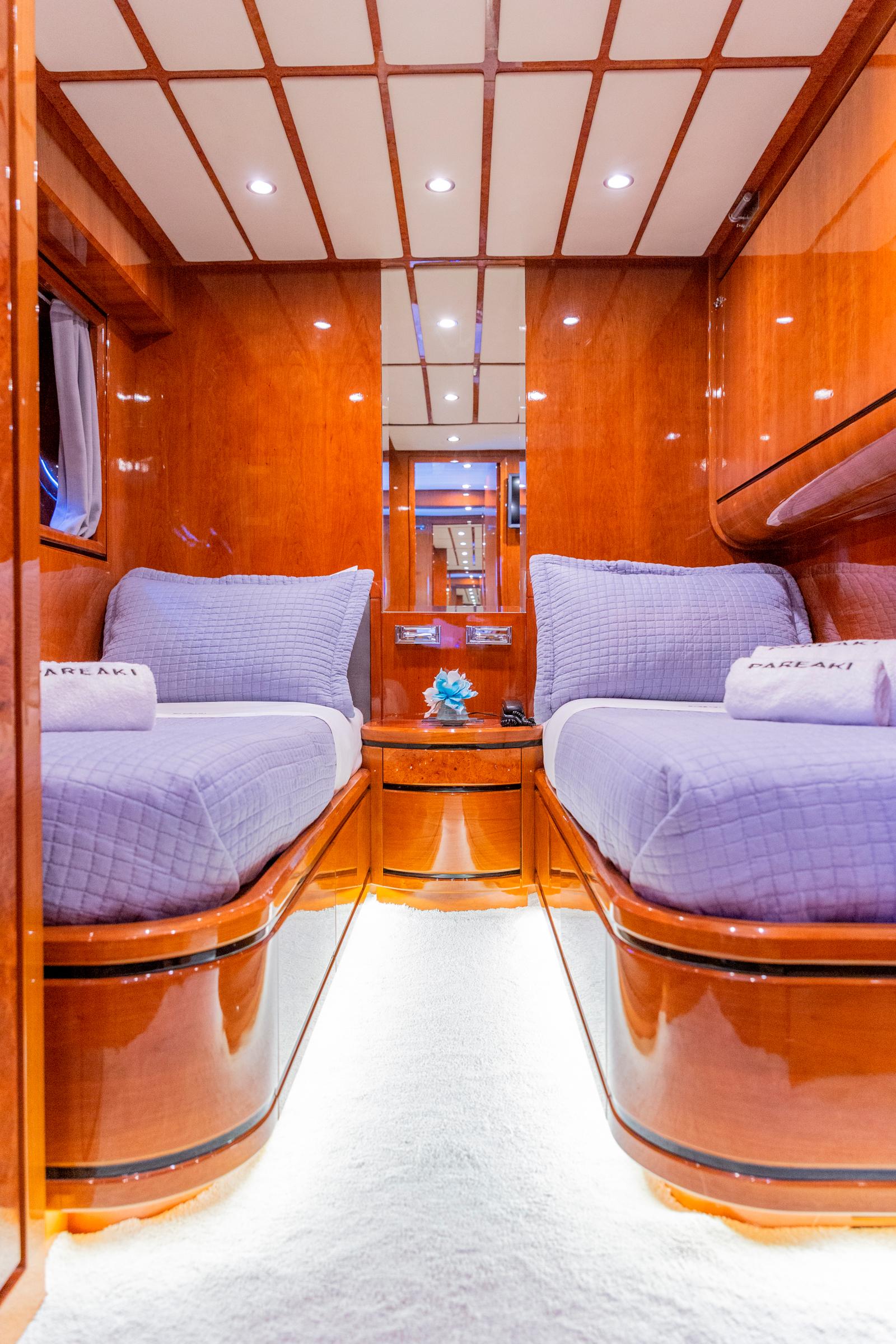 pareaki yacht cabin