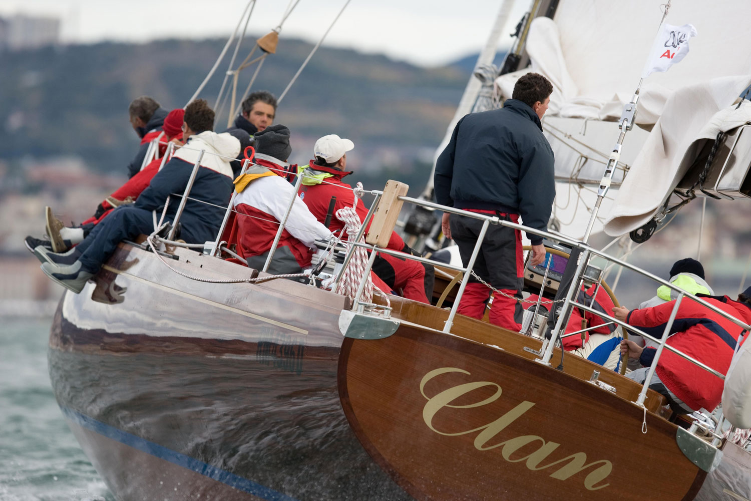 clan 2 carlini sailing yacht
