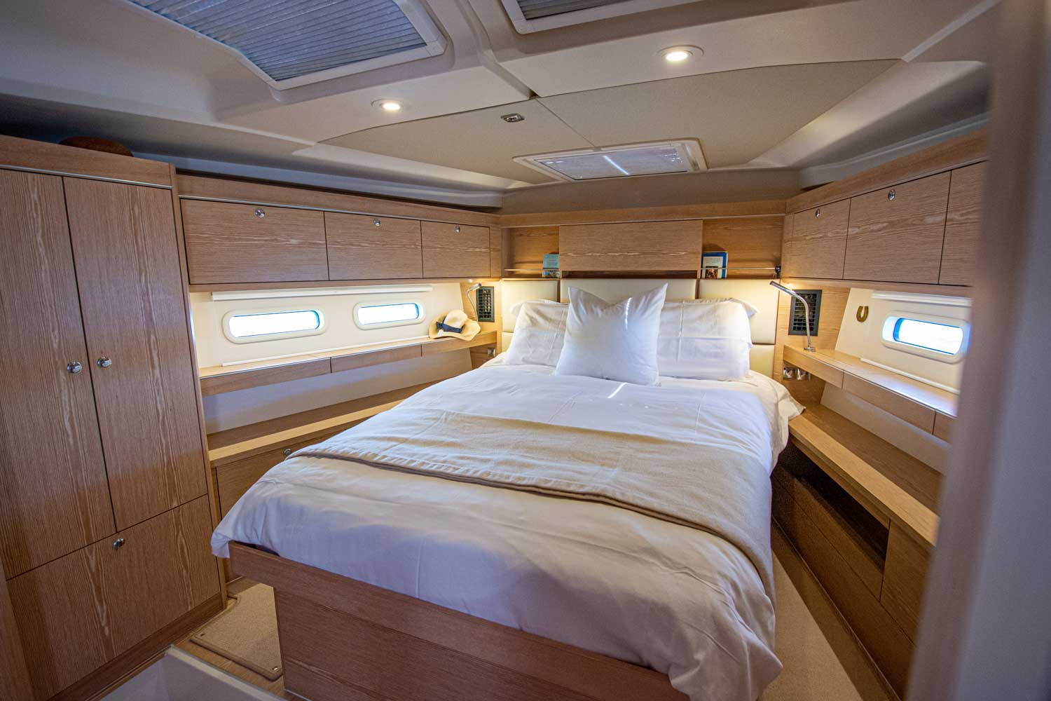 guests cabin aft