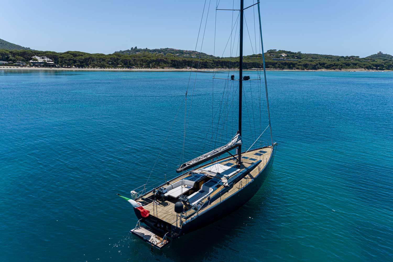 sailing yacht equinoxe
