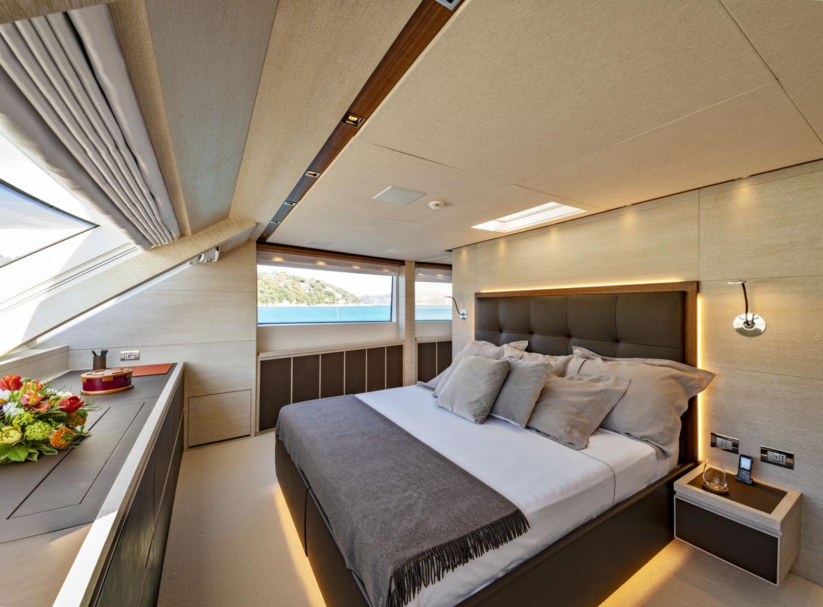 main deck cabin sd 112